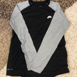 Nike SB dri fit Long sleeve Sz XL